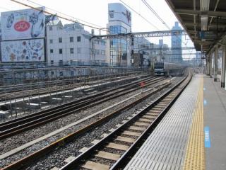 御徒町駅付近で行われている線路の改築工事。