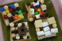 2011 12  お菓子の家 002_R