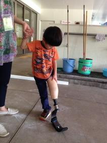 板バネ試着(3歳8ヵ月)