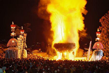nozawaonsen 道祖神祭り 火祭り