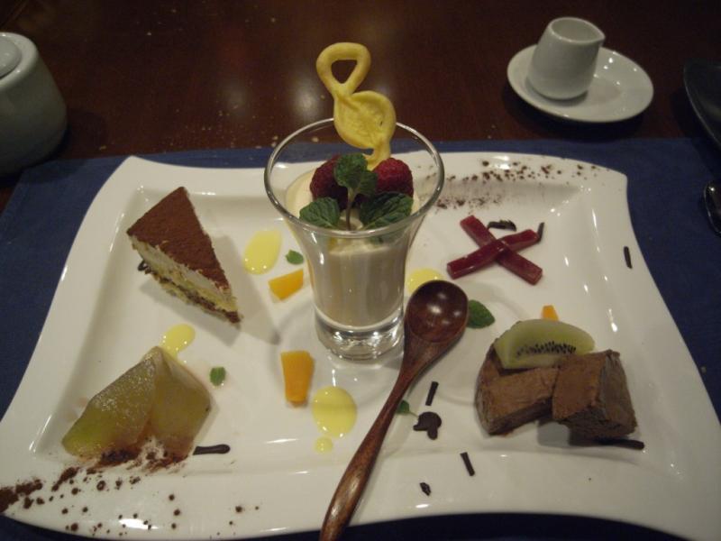 タパの谷町ブログ-デザートの盛り合わせ