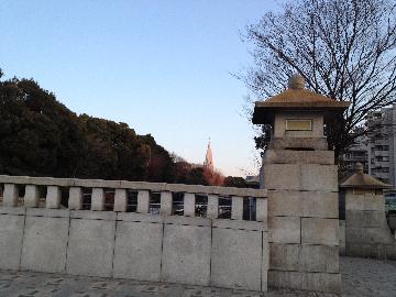 I神宮橋と都庁