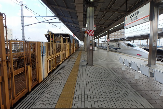 20141130レール交換車両 (5)