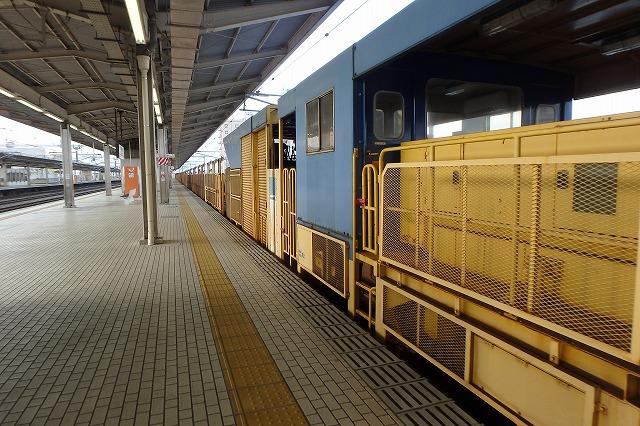 20141130レール交換車両 (8)