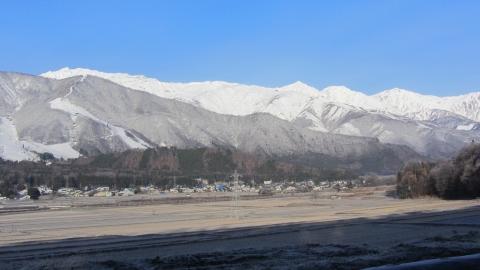 冬の朝晴れの北アルプス連峰