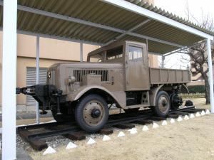 100式牽引車
