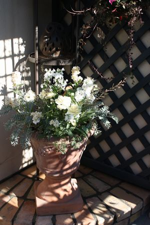 T's Garden Healing Flowers‐古レンガの花台