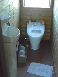 BESS トイレ 1階