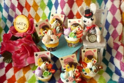アリスカップケーキ