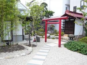 紅山水 東側庭