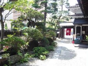 紅山水 西側庭