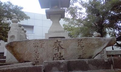 四柱神社下灯籠