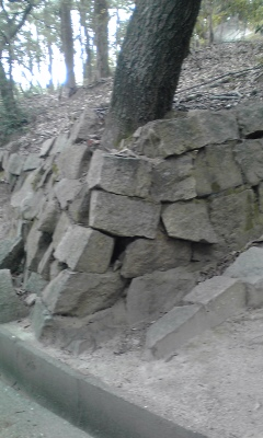 この石垣は…