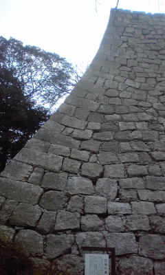 丸亀城美しい石垣1