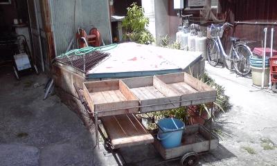 鞆・行商車と井戸
