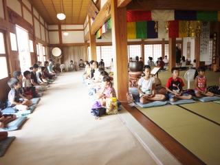 寺子屋体験4日目 朝の坐禅
