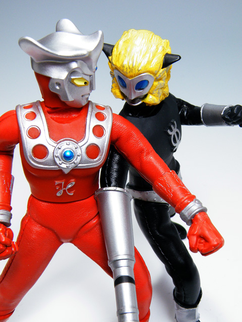 Custom-ULTRAMANLEO_127.jpg