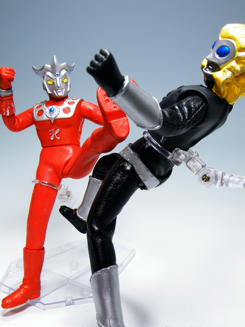 Custom-ULTRAMANLEO_145.jpg