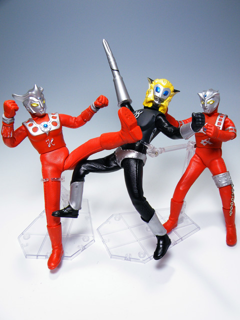 Custom-ULTRAMANLEO_147.jpg