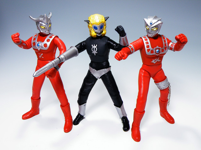 Custom-ULTRAMANLEO_150.jpg