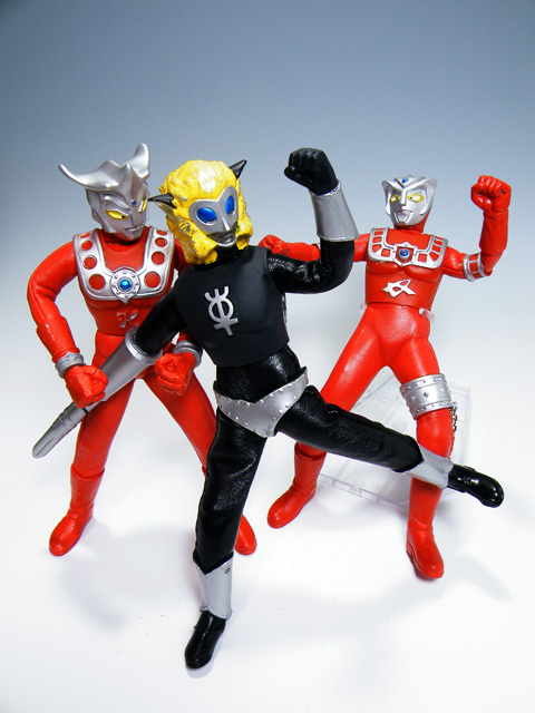 Custom-ULTRAMANLEO_158.jpg