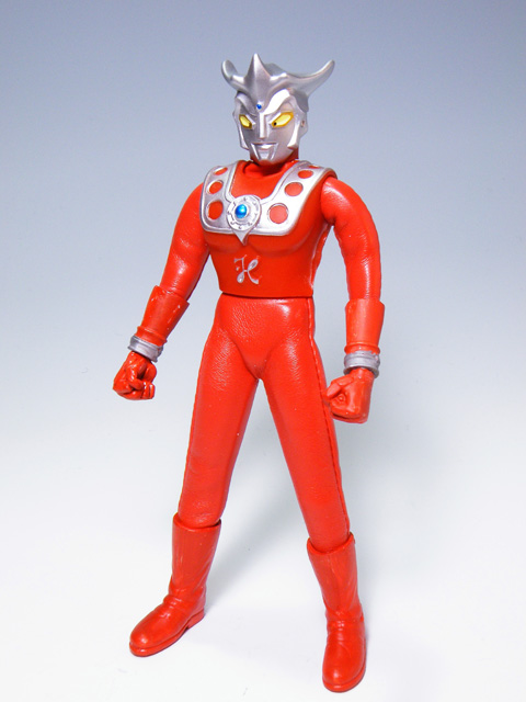 Custom-ULTRAMANLEO_4.jpg