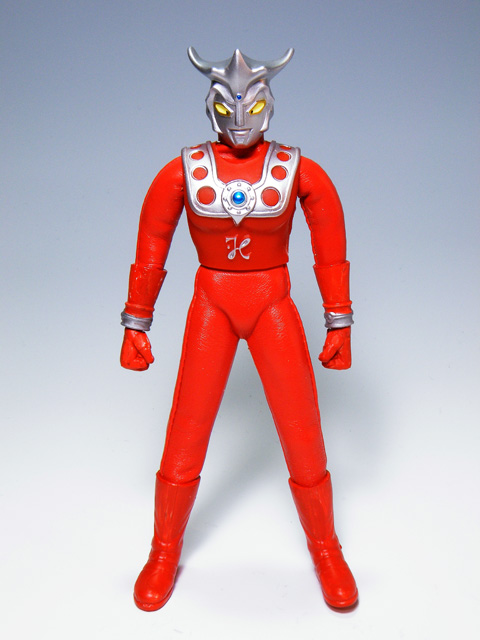 Custom-ULTRAMANLEO_8.jpg