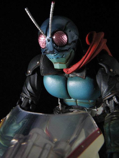 SIC_masked-rider1_79.jpg