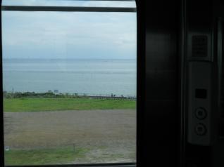 ドアボタンと海