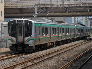 乗る列車はE721系