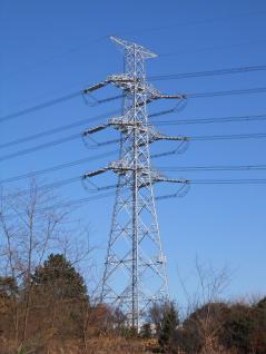 UHV送電線風鉄塔