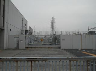 川崎変電所の2重入り口