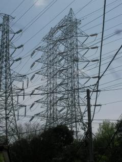 これが連結鉄塔・・・。