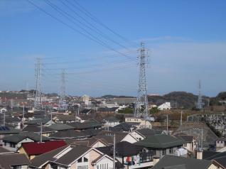 港が丘線の4基の鉄塔全てが見える
