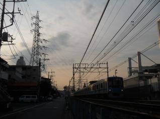 生田線9号と小田急4000形