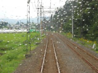 雨降りの東武線