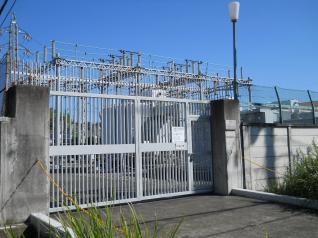 鶴川変電所