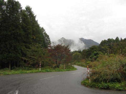 福島県道131号 高倉山の湧水付近