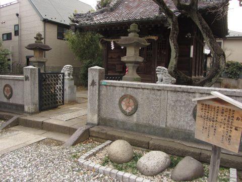 北野神社と力石