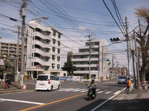 成田街道入口交差点