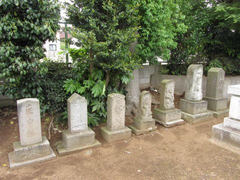 台町稲荷神社の庚申塔群