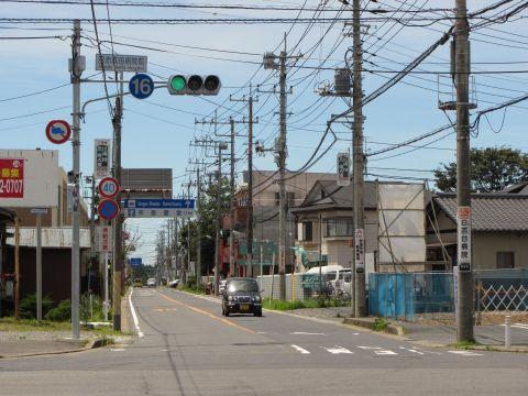 日赤成田病院前交差点