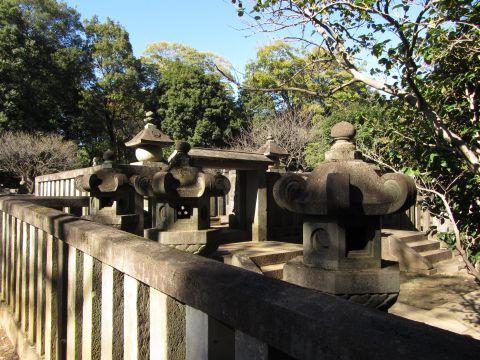 松平信綱夫妻の墓
