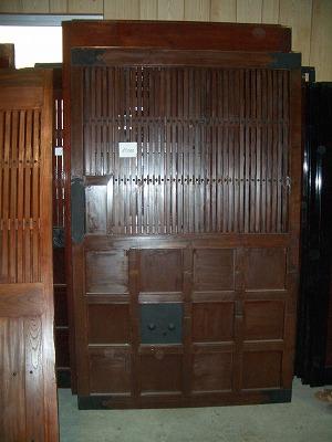 大沢邸バイク室入口 002