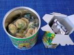 保存缶と普通のコアラのマーチ