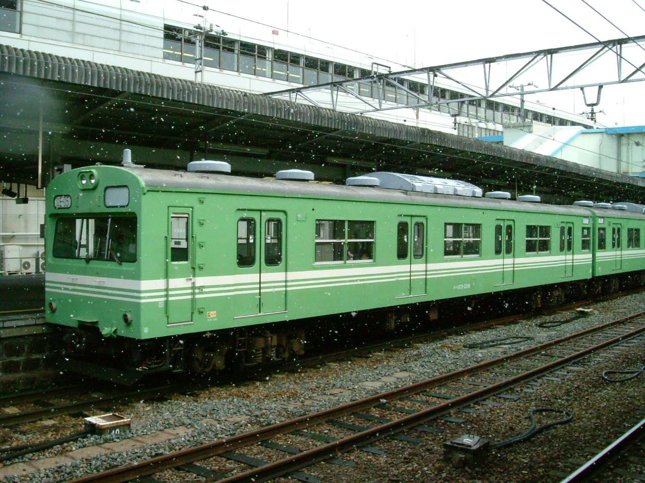 広島駅にて クハ103-228