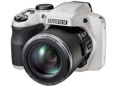 FinePix S8200