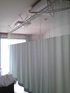 吊りカーテン