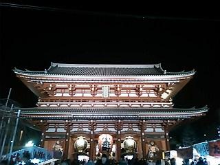 夜のお寺。