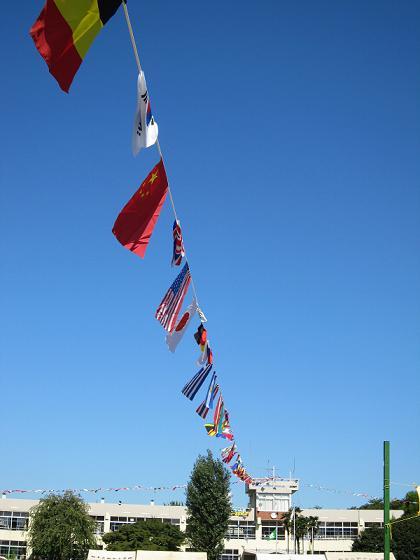 万国旗がキレイです